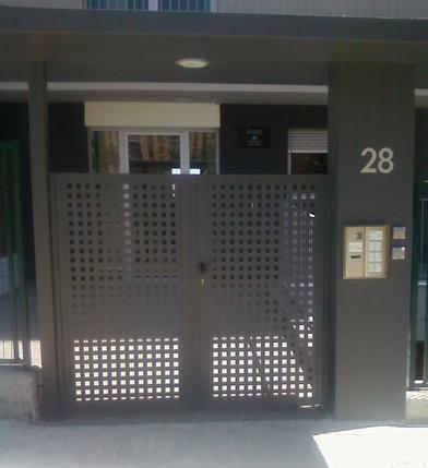 puertas metalicas cerdanyola