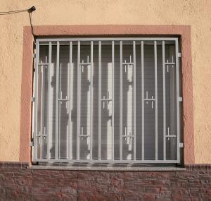 Rejas para ventanas precios modelos de rejas artisticas for Rejas de hierro precios